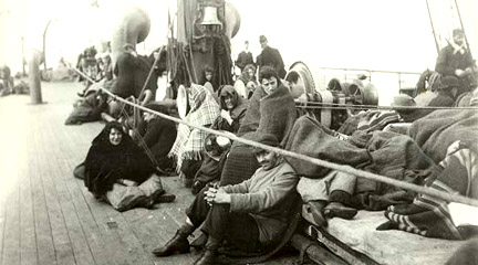Photo, Immigrants aboard a ship heading for the.., 1892, The Statue of Liberty..